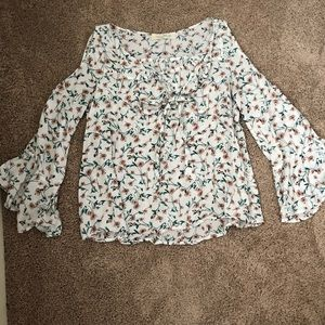 White & floral floaty shirt w/ exposed shoulders
